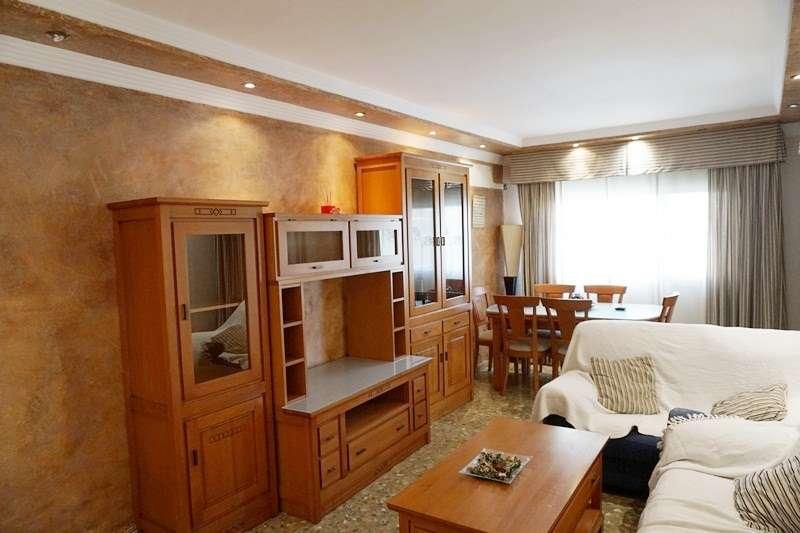 Venta y alquiler de viviendas en Axarquía, Vélez-Málaga y Torre del Mar